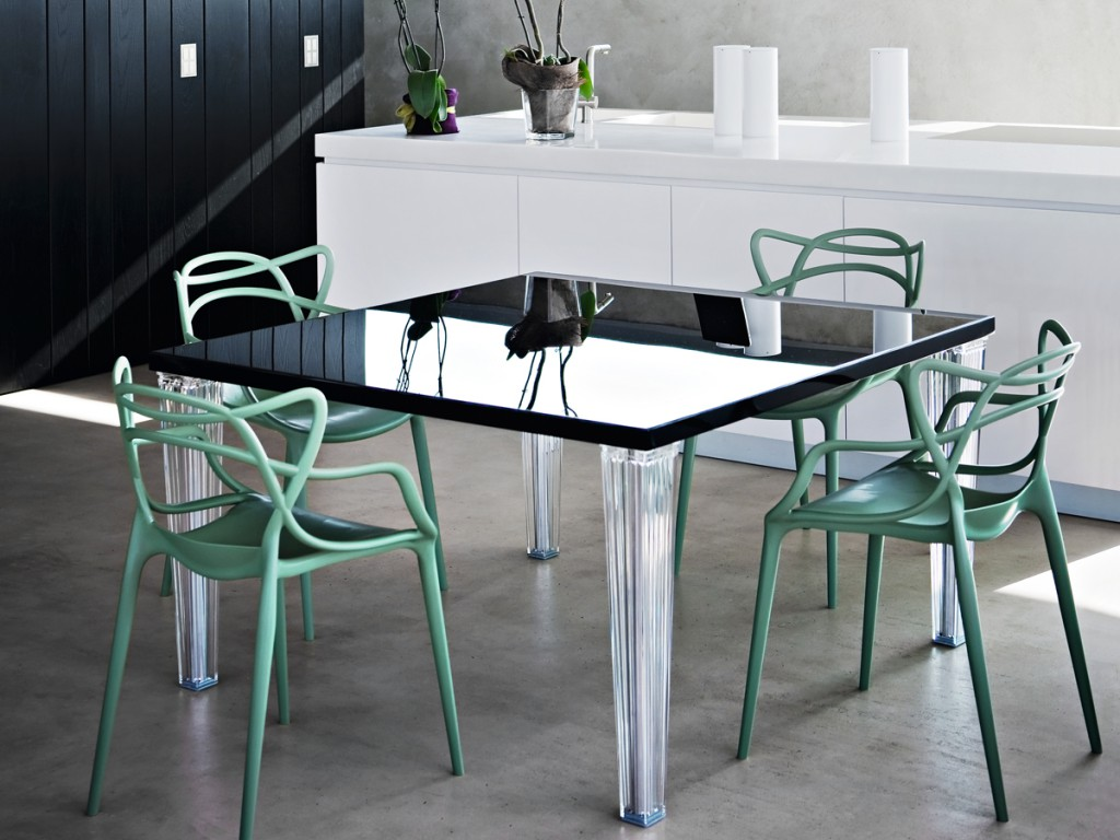 DivaGroup-Kartell_05_TopTop-Table